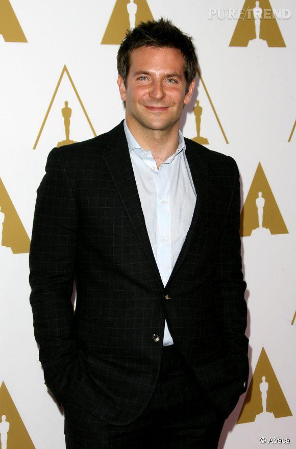 Cet homme idéal a les yeux de Bradley Cooper.