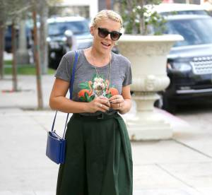 Busy Philipps : rétro et fun, le look à adopter !