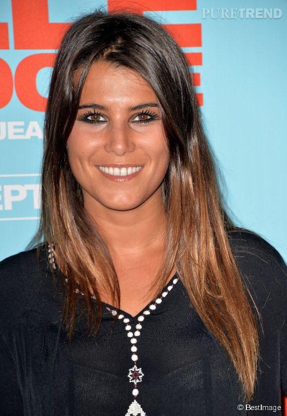 """Karine Ferri s'éclate dans les coulisses de """"DALS5"""" avec le comédien Rayane Bensetti."""