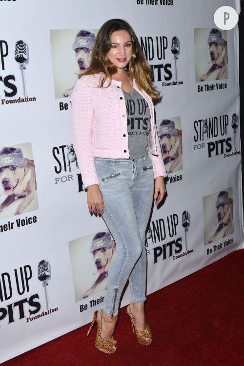 Kelly Brook, skinny sexy et top tendance à Los Angeles.