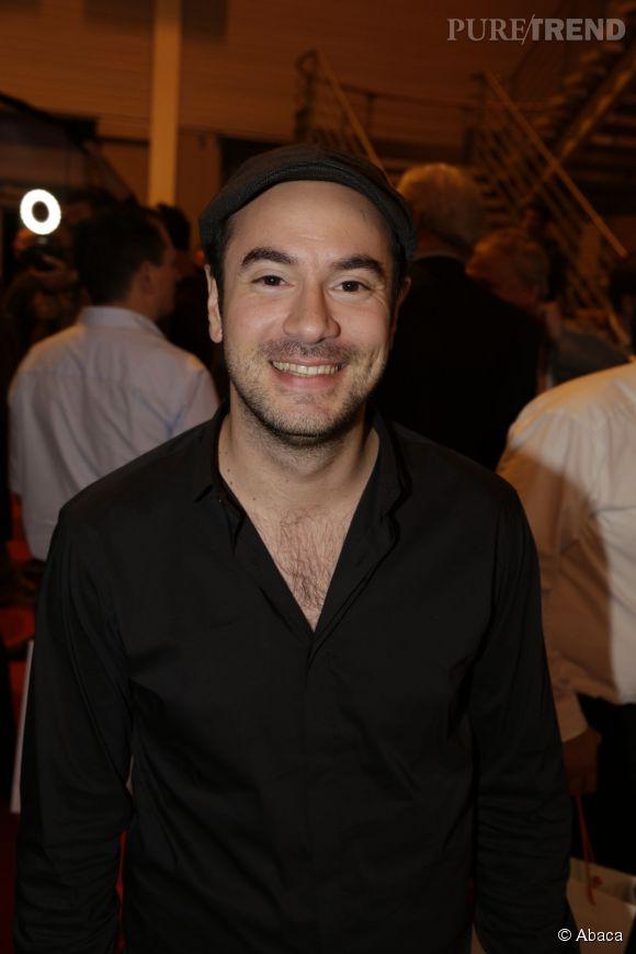 Kyan Khojandi tient tout de même le rôle du personnage principal.