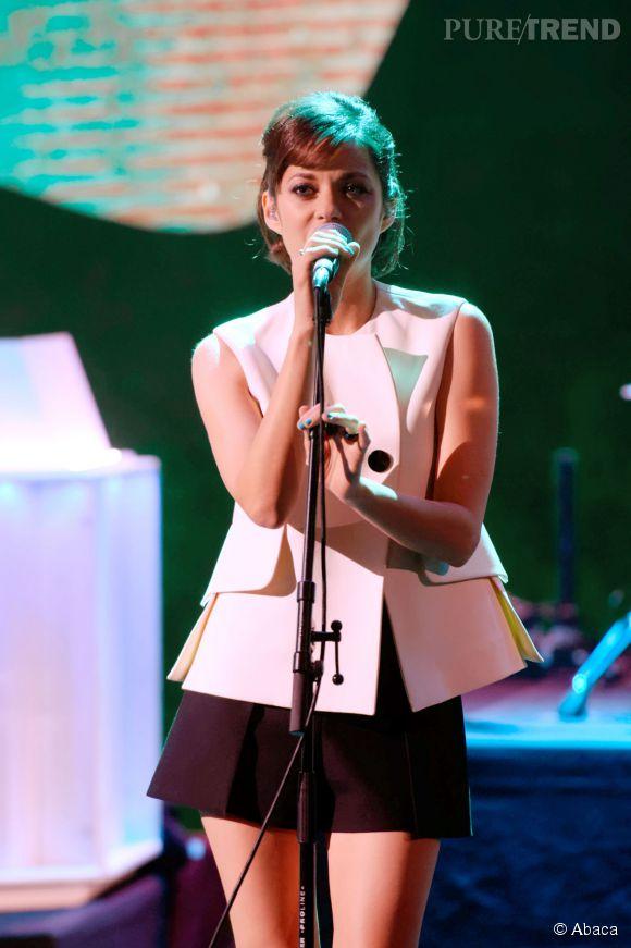 Marion Cotillard en duo avec Metronomy pour les 30 ans de Canal+.