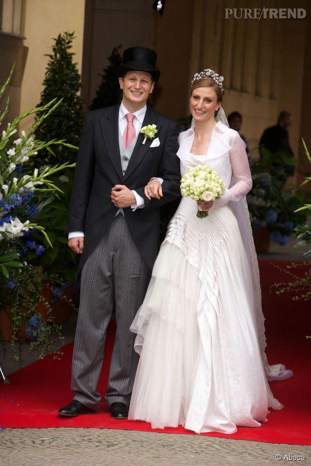 lady di kate middleton les 20 plus belles robes de mari e des princesses. Black Bedroom Furniture Sets. Home Design Ideas