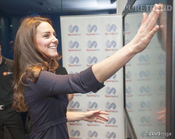 Kate, toujours aussi ravissante avec sa crinière brillante qui fait rêver tant de femmes.