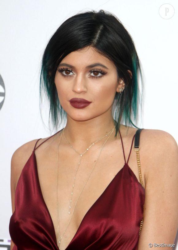 Kylie Jenner : la petite dernière du clan Kardashian est accro au maquillage.
