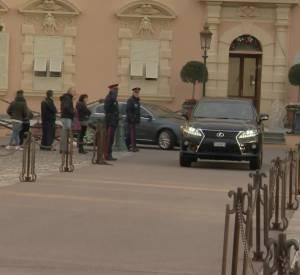 Le prince Albert de Monaco et la princesse Charlène de Monaco rentrent au Palais avec leurs jumeaux Gabriella et Jacques.