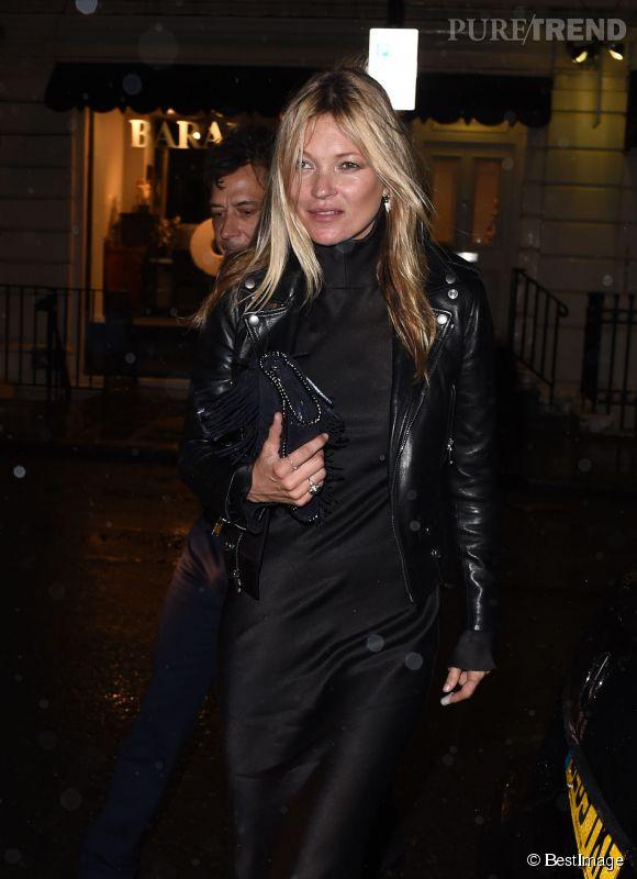 Kate Moss au premier défilé couture Maison Martin Margiela imaginé par John Galliano le 12 janvier 2015 à Londres.