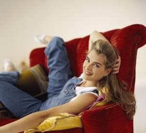 Dans les 90's : Brooke Shields incarne la New-yorkaise trendy Susan qui possède forcément au moins une salopette dans son dressing.