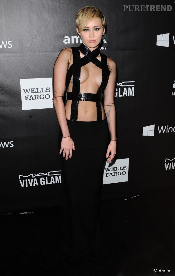 Miley Cyrus, la spécialiste pour se montrer nue comme au gala de l'amfAR en octobre 2014.