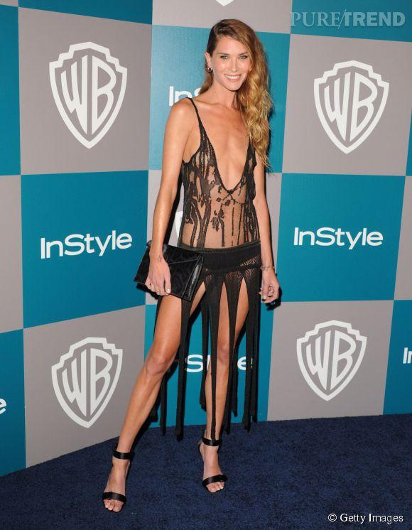 Rare sur le red carpet, Erin Wasson sait se faire remarquer quand elle débarque, la preuve avec cette robe lambeaux qui ne sert pas à grand chose.