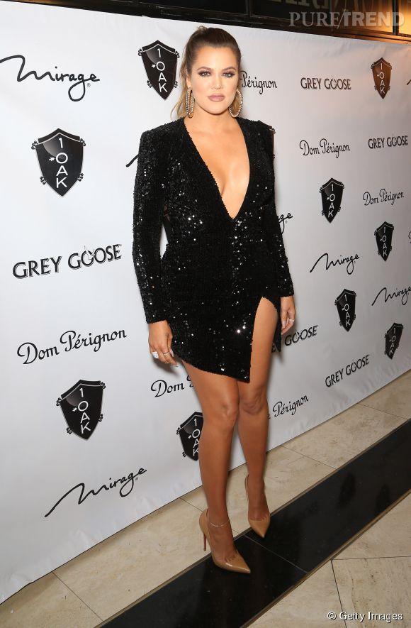 Khloe Kardashian est coutumière du grand déballage sur tapis rouge. Elle a d'ailleurs récidivé pour sortir dans une prestigieuse boite de nuit à Las Vegas en décembre 2014.