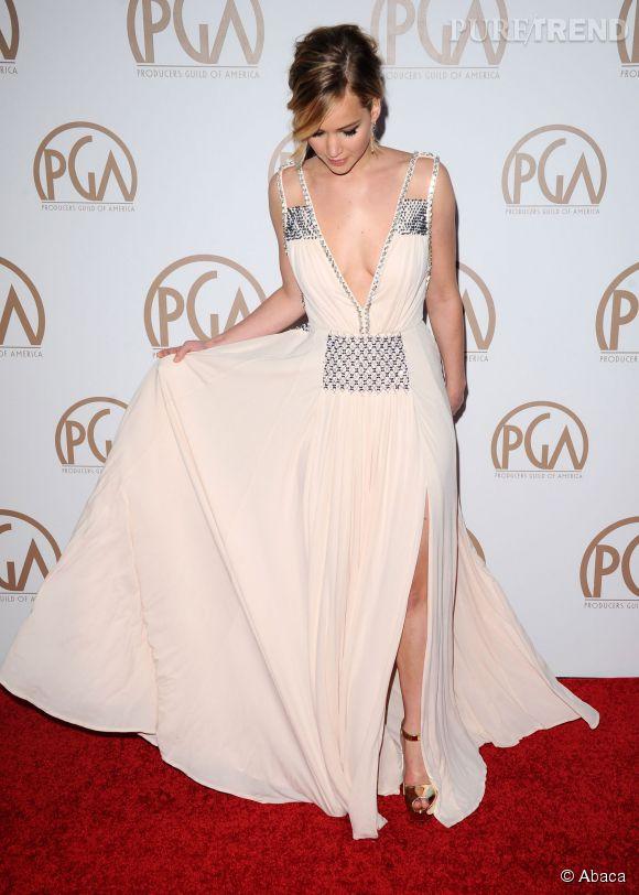 Jennifer Lawrence ne portait pas de soutien-gorge sous sa robe Prada.