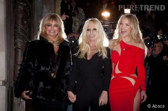 Goldie Hawn, Donatella Versace et Kate Hudson au défilé Atelier Versace Printemps-Été 2015 à Paris.