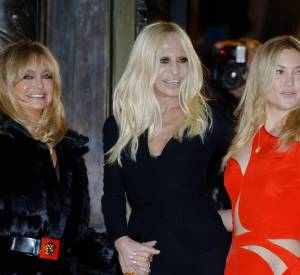 Goldie Hawn, Donatella Versace et Kate Hudson, un trio déchaîné.