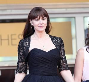 """Monica Bellucci : fière et flattée d'être une """"vieille James Bond girl"""""""