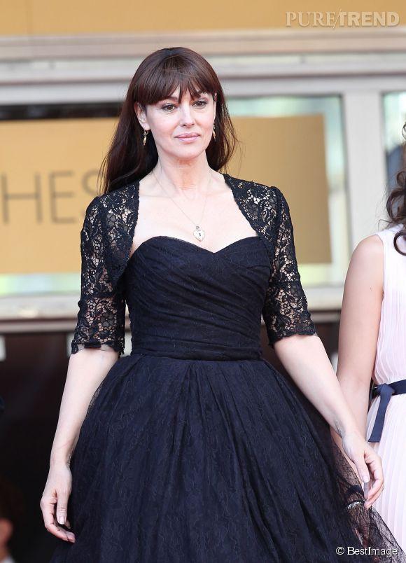 """Monica Bellucci prouve qu'on peut être sexy à 50 ans. Elle sera une fière James Bond girl aux côtés de Daniel Craig dans """"Spectre""""."""