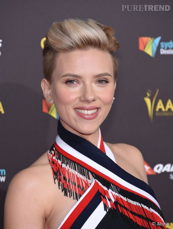 Scarlett Johansson, transformée par une coupe garçonne.