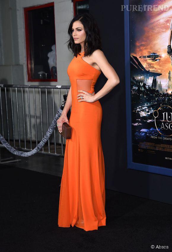 """Jenna Dewan porte une robe Cushnie et Ochs et une minaudière Rauwolf à la première de """"Jupiter ascending"""" le 2 février 2015 à Los Angeles."""