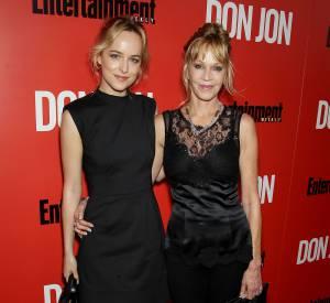 Dakota Johnson et Melanie Griffith, raccord en noir.