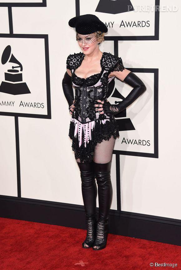 Madonna toréador, coquine, hors sujet. Une belle cata aux Grammy Awards 2015.