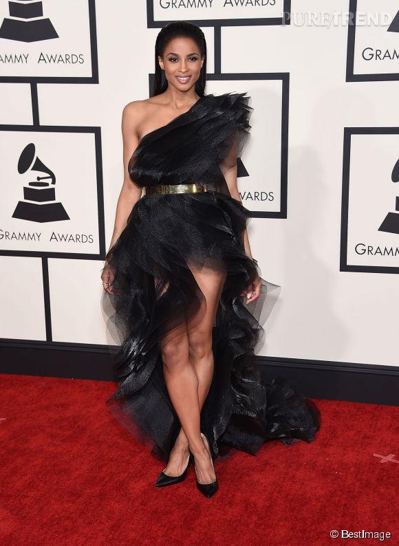 Ciara, ravissante dans une robe Alexandre Vauthier aux Grammy Awards 2015.