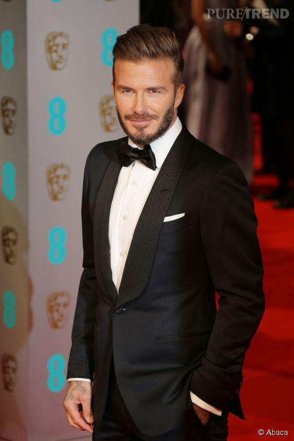 Bien-aimé David Beckham dans un costume impeccable et noeud papillon aux  PQ14