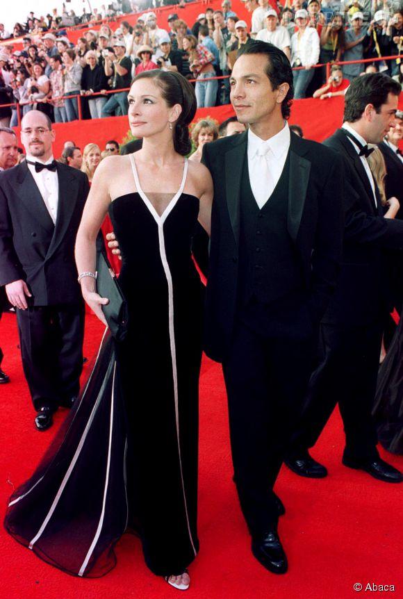 Julia Roberts en Valentino lors des Oscars 2001.