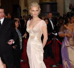 Uma Thurman en Versace lors des Oscars 2006.