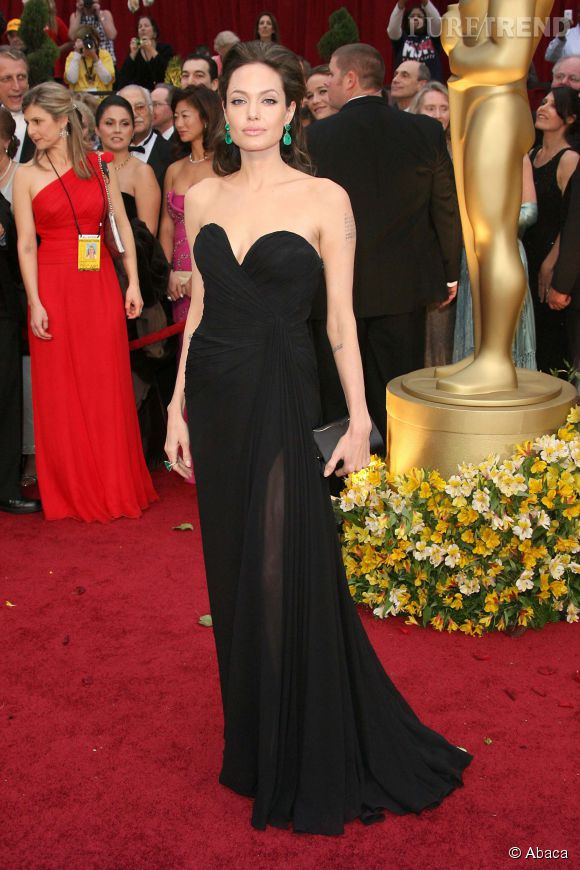 Angelina Jolie en Elie Saab lors des Oscars 2009.