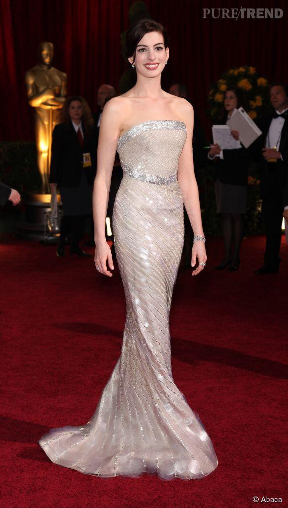 Anne Hathaway en Armani Privé lors des Oscars 2009.