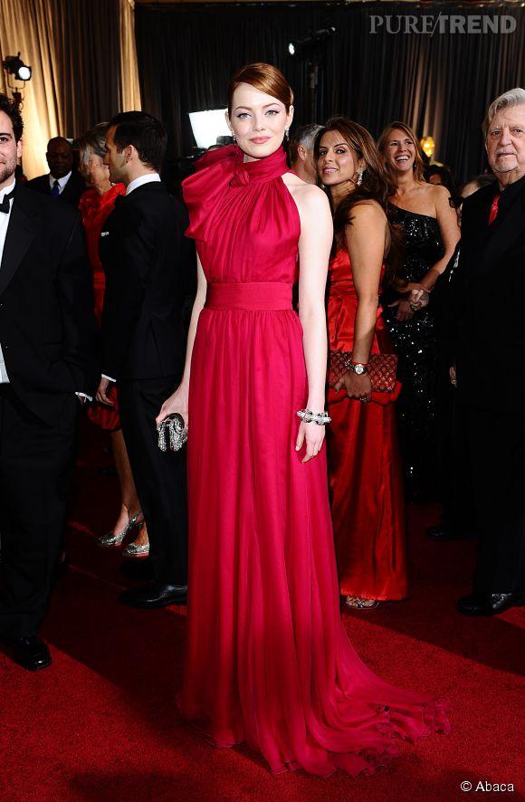 Emma Stone en Giambattista Valli lors des Oscars 2012.