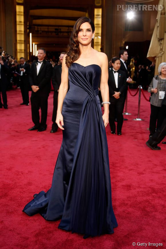 Sandra Bullock en Alexander McQueen lors des Oscars 2014.