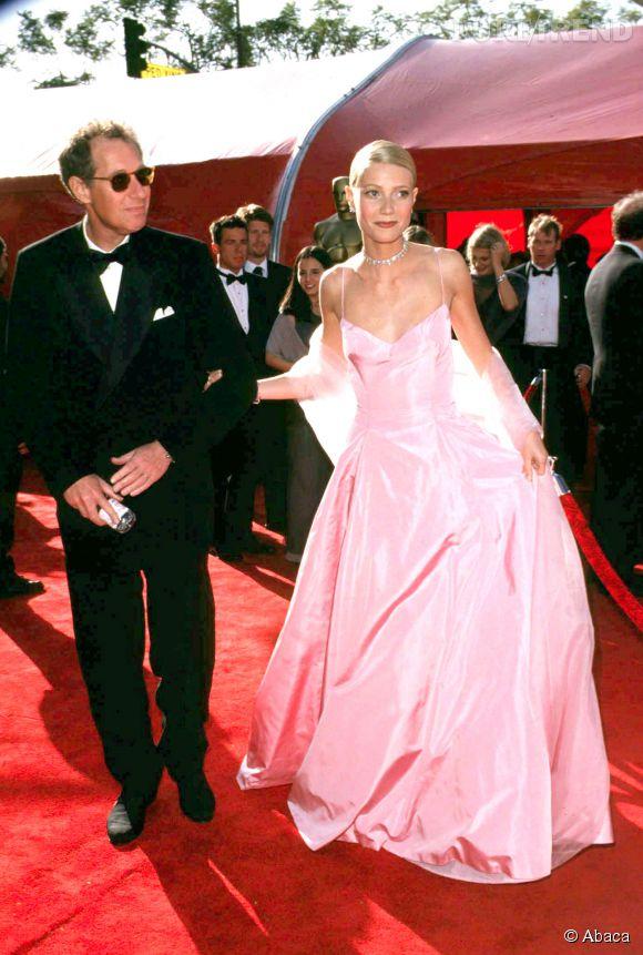 Gwyneth Paltrow en Ralph Lauren lors des Oscars 1998.