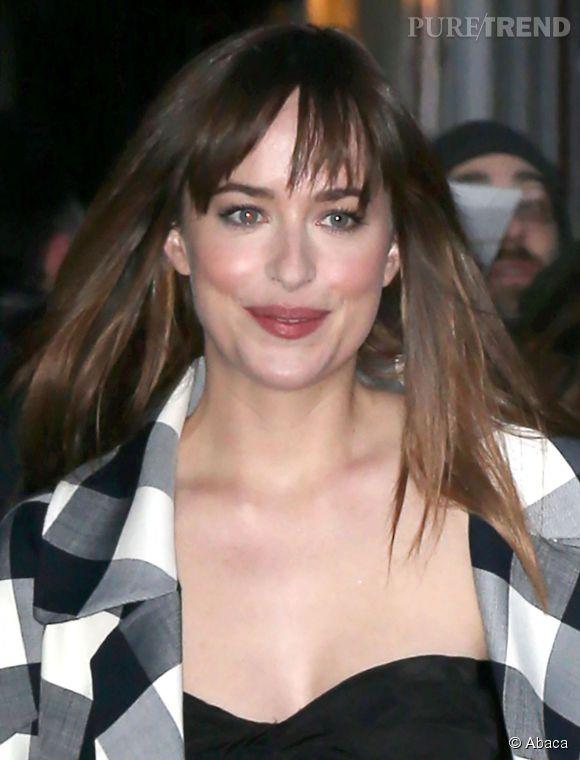 """Dakota Johnson était invitée sur le plateau de """"The Late Show"""" ce mardi 17 février 2015."""