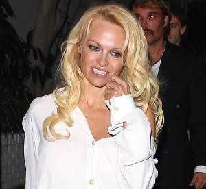 Pamela Anderson : provoquante juste en chemise, le retour de la Playmate