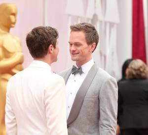 Oscars 2015 : Neil Patrick Harris toujours aussi complice et amoureux avec son mari David Burtka.