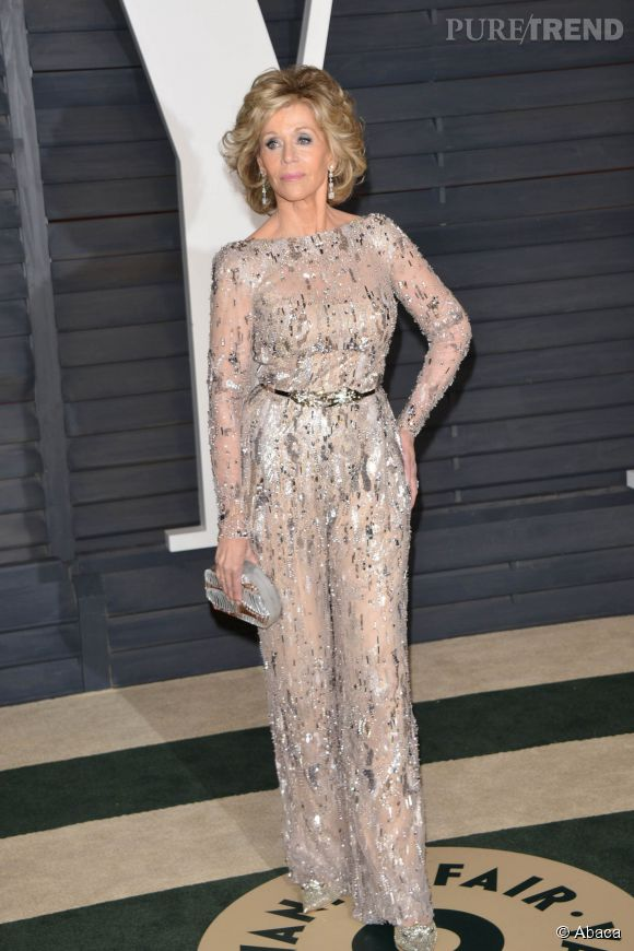 Jane Fonda en Zuhair Murad et chaussures Jimmy Choo lors de la soirée post Oscars organisée par  Vanity Fair  le 22 février 2015 à Los Angeles.