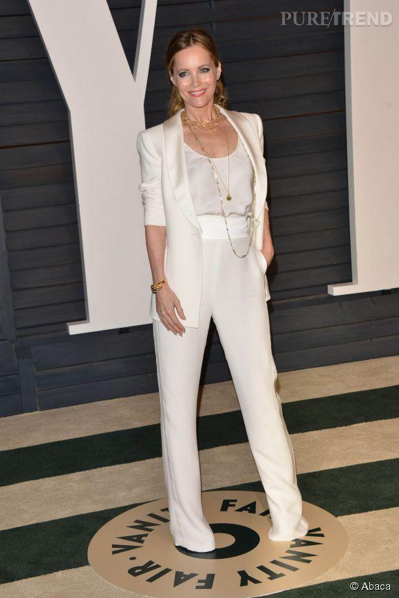 Leslie Mann en Giorgio Armani, bijoux Neil Lane, chaussures Jimmy Choo et minaudière Amanda Pearl lors de la soirée post Oscars organisée par  Vanity Fair  le 22 février 2015 à Los Angeles.