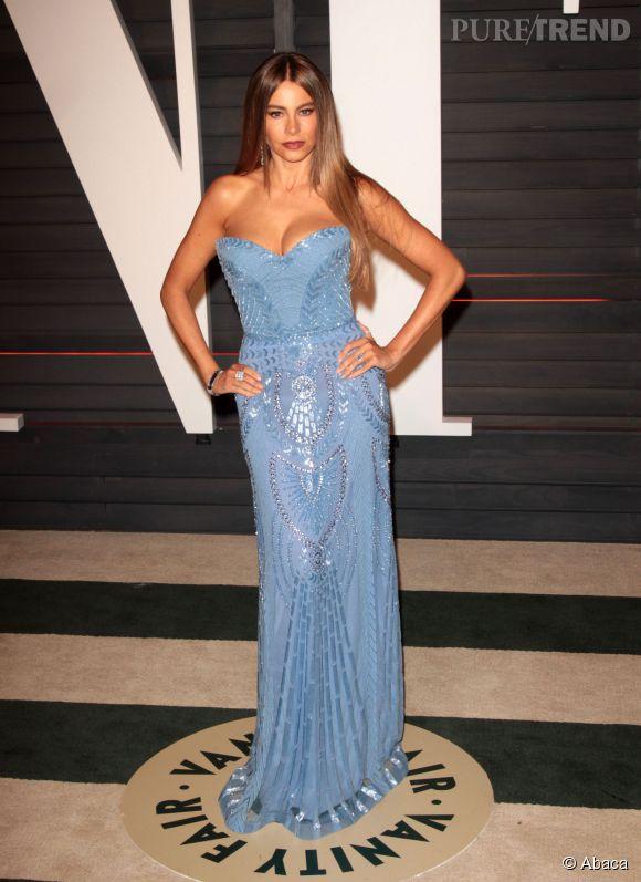 Sofia Vergara en Zuhair Murad et bijoux Neil Lane lors de la soirée post Oscars organisée par  Vanity Fair  le 22 février 2015 à Los Angeles.