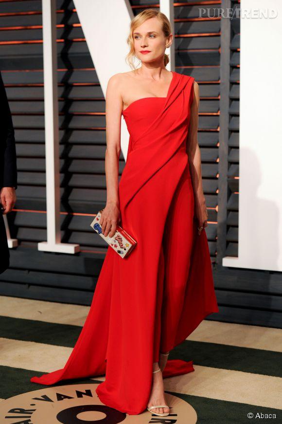 Diane Kruger en Donna Karan Atelier, accessoirisée de chaussures Jimmy Choo et d'une pochette Anya Hindmarch lors de la soirée post Oscars organisée par  Vanity Fair  le 22 février 2015 à Los Angeles.