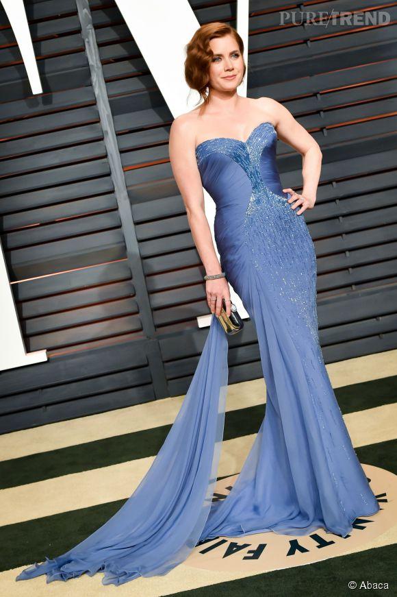 Amy Adams en Atelier Versace, chaussures Brian Atwood, pochette Judith Leiber et bijoux Lorraine Schwartz lors de la soirée post Oscars organisée par  Vanity Fair  le 22 février 2015 à Los Angeles.