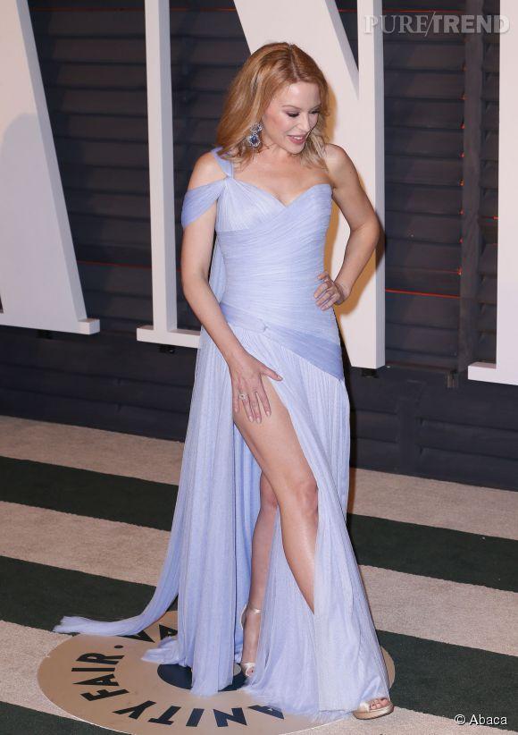 Kylie Minogue en Ralph & Russo Couture lors de la soirée post Oscars organisée par  Vanity Fair  le 22 février 2015 à Los Angeles.