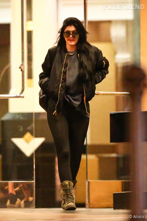 Kylie Jenner  la cadette du clan Kardashian sort les grosses bottes pour  une sortie \u0026amp