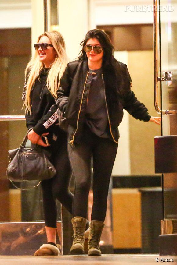 """Kylie Jenner et sa BFF à la sortie de la projection de """"Fifty Shades of Grey"""", dans un cinéma de L.A."""