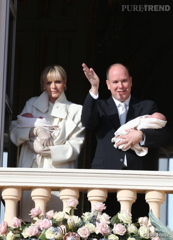 Charlène et Albert de Monaco ont présenté leurs bébés aux Monégasques le 7 janvier dernier. Depuis, on attend tous une nouvelle apparition des jumeaux.