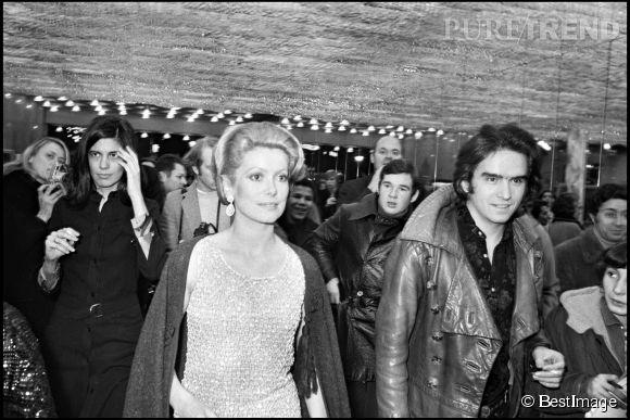 En 1965, Catherine Deneuve épouse le photographe anglais David Bailey. Un mariage express qui ne dura que deux ans.