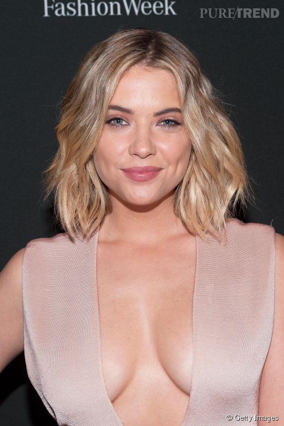 Ashley Benson éblouit la Fashion Week de New York.