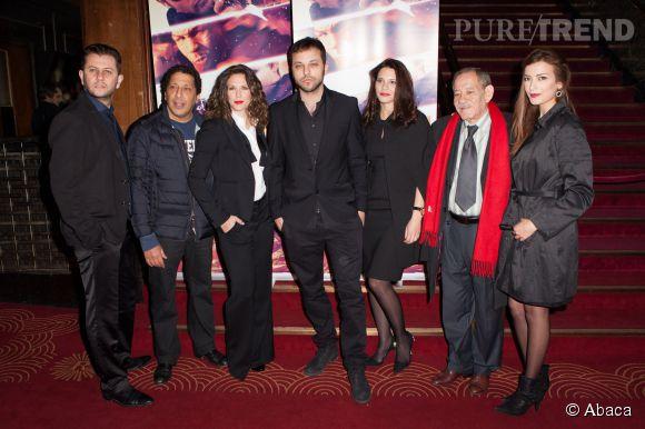 Très fière de ce nouveau projet, Lorie pose avec l'équipe du film au Grand Rex le  mars à Paris.