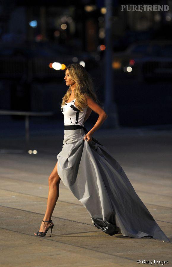 Gisele Bündchen sur le podium de la Fashion's Night Out new-yorkaise en 2007.