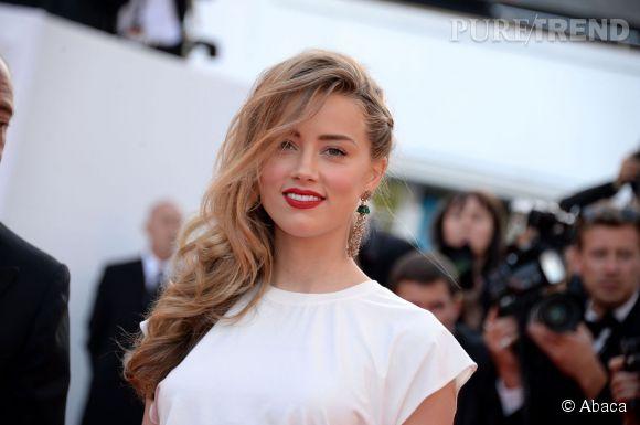 Découvrez tous nos conseils et les coiffures simples et rapides à adopter pour un look easy chic comme Amber Heard et son half hawk tressé !